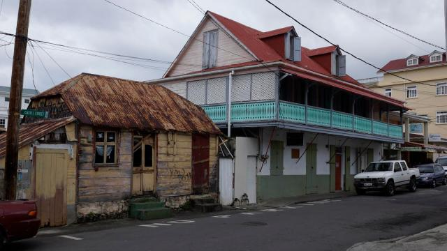 roseau-town-1