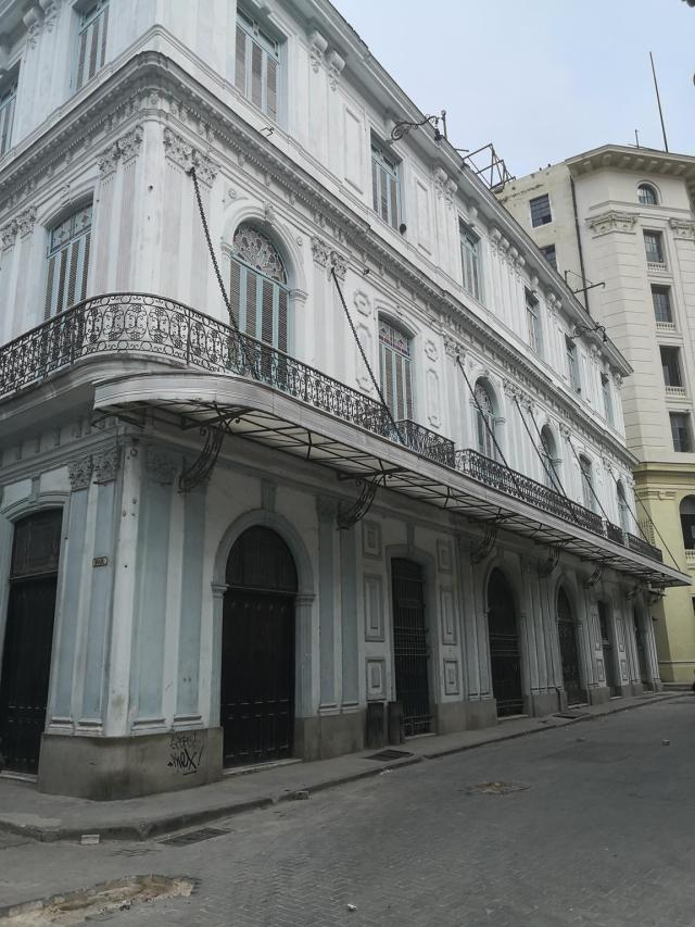 Balcony Havnna