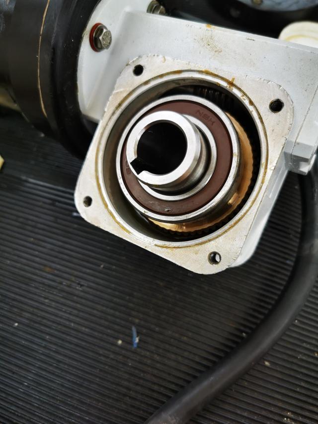 Main furler gearbox 5