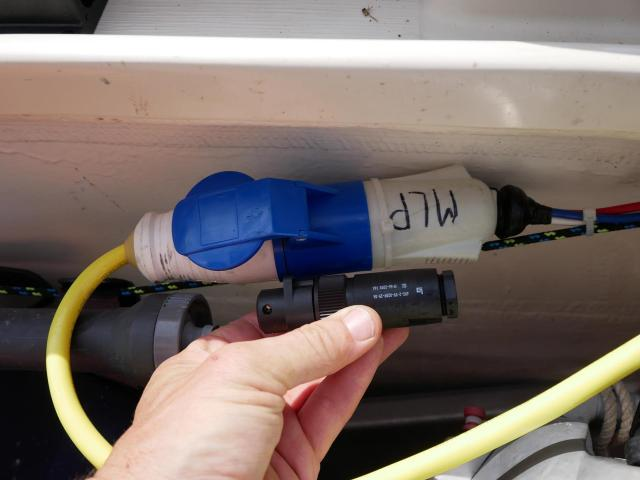 16 A Plug